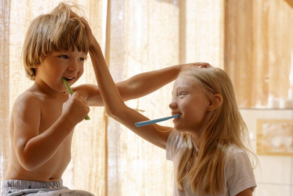 brosser les dents enfant