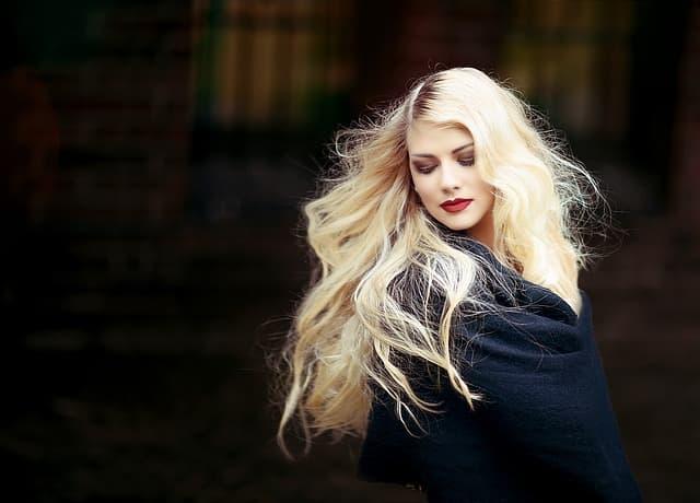 entretenir ses cheveux longs